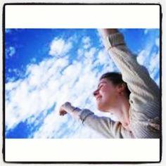 Bom dia! Que preciosos para mim, o Deus são os teus pensamentos! E como é grande a soma deles!  Salmos 139:17