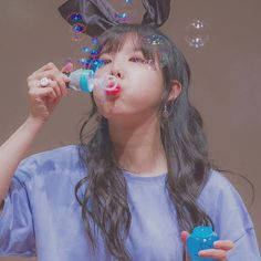 Nayeon parece uma criancinha <3 <3