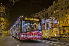 See illuminated images of Budapest's special Christmastime carriages, all captured by daredevil Magyar photographer Tamás Rizsavi, who is not afraid of heights. Budapest, Bored Panda, Hungary, Bellisima, Times Square, Hungarian Food, City, Daredevil, Christmas