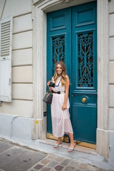 When in Paris, you can't help but want to take picks of just about everything. Our sleek gingham maxi is perfect for the occasion. // Gal Meets Glam #MJPiecesOfParis