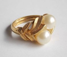Avon Signed Double Faux Pearl Gold Color Leaves Gold-tone Setting Size 6 wInsert #Avon