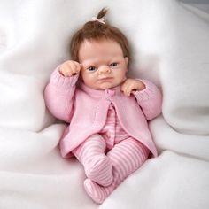 Миниатюрная кукла младенец - Попрыгунья Эмми
