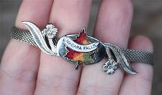 Vintage Niagara Falls Canada Souvenir Mesh Buckle Bracelet Enamel Leaf