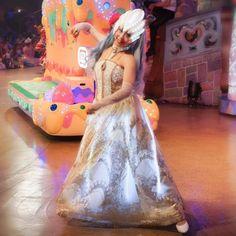 まにょさん女王全身入った 衣装の光とかわかっていい    #廣瀬愛 さん #ピューロアンバサダー  #闇の女王 #ノッテ  #miraclegiftparade #ミラクルギフトパレード #puroland #ピューロランド #ピューロランドダンサー  #ピューロダンサー   #kawaii #sony  #sonyalpha #sonya7 #sel55f18z  #puro25th  撮影:2016.09.04 Sanrio, Ball Gowns, Formal Dresses, Instagram Posts, Fashion, Ballroom Gowns, Dresses For Formal, Moda, Ball Gown Dresses