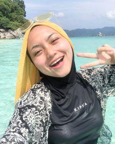 abdy Senju's media content and analytics Beautiful Hijab Girl, Beautiful Muslim Women, Beautiful Asian Girls, Arab Girls Hijab, Girl Hijab, Muslim Girls, Muslim Women Fashion, Hijab Fashionista, Hijab Chic