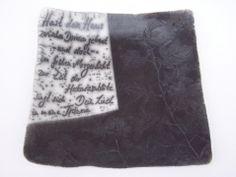 Dein Lied in meinen Träumen,  Gefäß für Gedanken aus Naked Raku Keramik mit Text von Hildegard Schemehl / Poem vessel made in naked raku technique
