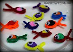 50 DIY pipe cleaner pet crafts for kidsHere are 50 cute pet crafts with pipe cleaners that kids will love! To stimulate a Playful pipe cleaner handicrafts for Playful pipe cleaner handicrafts Pipe Cleaner Projects, Pipe Cleaner Art, Pipe Cleaner Animals, Pipe Cleaners, Diy Projects For Kids, Crafts For Kids To Make, Animal Crafts For Kids, Animals For Kids, Diy Pipe