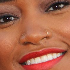Double nose piercing with hoop and stud - I want