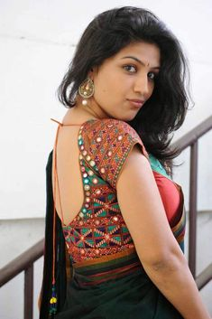 Exclusive stunning photos of beautiful Indian models and actresses in saree. Beautiful Blouses, Beautiful Saree, Beautiful Women, Beautiful Gorgeous, Indian Dresses, Indian Outfits, Mirror Work Blouse, Indian Blouse, Indian Wear