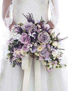 ramo de novia violeta