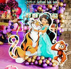 Como decorar Fondos para fotos en Fiesta de Aladdin Aladdin Birthday Party, Aladdin Party, 7th Birthday, Birthday Parties, Aladdin Y Jasmin, Jasmine Aladin, Arabian Party, Aladdin Princess Jasmine, Candy Party