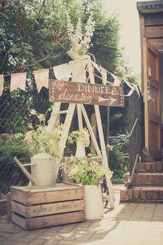Carteles para bodas 5 tablones madera regaderas vintage escalera
