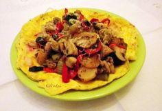 Zöldséges omlett reggelire | NOSALTY – receptek képekkel Naan, Vegetable Pizza, Tacos, Mexican, Vegetables, Breakfast, Ethnic Recipes, Food, Morning Coffee