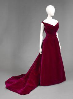 Worth evening dress worn by Edith Kingdon Gould in her portrait...