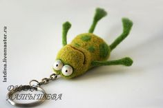 Frog Keyring Needle Felted Animals, Felt Animals, Wet Felting, Needle Felting, Felt Keychain, Felted Wool Crafts, Frog And Toad, Crafts For Boys, Felt Fabric
