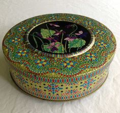 Vintage Round Daher Style Floral Mosaic Tin by CoolOldStuffIFound, $8.00