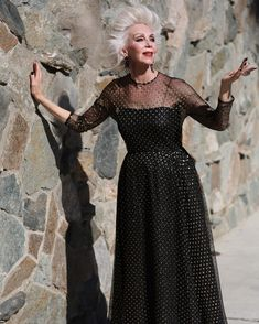 8db2cbee6522 Fashion and Beauty Secrets From LA s Most Stylish Older Women