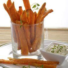 GRILL BEILAGEN- Süßkartoffel-Pommes  800 g Süßkartoffeln, 1 EL Weißer Sesam, 1 EL grobes Meersalz