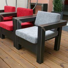 Un fauteuil en métal pour un salon design et tendance ou pres de la table basse du salon. Un fauteuil design moderne et contemporain dans la maison