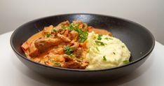 Biff stroganoff   Det glade kjøkken Curry, Ethnic Recipes, Food, Curries, Meals, Yemek, Eten
