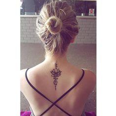 Tattoos for women Unalome Tattoo, Lotusblume Tattoo, Thai Tattoo, Piercing Tattoo, Piercings, Spine Tattoos For Women, Back Tattoo Women, Back Tattoos, Wrist Tattoos