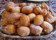 Buñuelos (Fritters in Honey) - Guatemala Pastry Recipes, Gourmet Recipes, Sweet Recipes, Dog Food Recipes, Cake Recipes, Cooking Recipes, Bunuelos Recipe, Hotel Breakfast Buffet, Peruvian Desserts