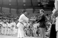 Con el Maestro Hidetaka Nishiyama, Mundial de Karate Tradicional ITKF Peru 1990.