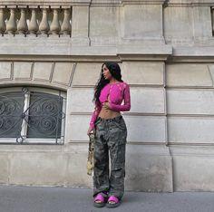 Vintage Couture, Girls 4, Picture Poses, Streetwear Fashion, Fitspo, Parachute Pants, Harem Pants, Street Wear, Street Style