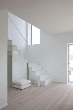 metal stairs = lots of storage underneath