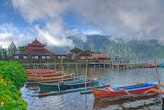 Pura Ulun Danu temple at Beratan lake, Bali | von Twilight Tea