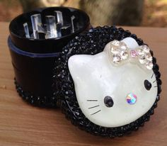 GRINDER -- MINIS Collection -- Crystal Nose Hello Kitty #marijuana #weed #cannabis #stoner #pothead #420 #princess #blingbling