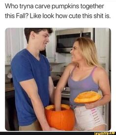 Who tryna carve pumpkins together this Fall? Like look how cute this shit is. Met some cute girls at a friends party O - Met some cute girls at a friends party 😳 - iFunny :) Funny Animal Memes, Funny Memes, Hilarious, Fun Funny, Decorative Gourd Season, Cool Gadgets To Buy, Edgy Memes, Italia, Funny