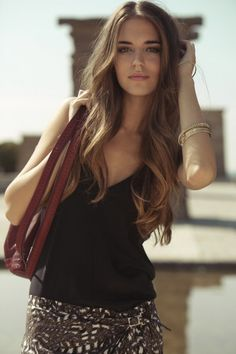I wanna get the courage to start parting my hair in the middle !