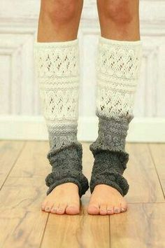 I've got a random obsession with leg warmers. Cream Ombre Leg Warmer - I would wear in several different ombré styles Boot Cuffs, Boot Socks, Fall Outfits, Cute Outfits, Cute Socks, Leggings, Mode Style, Swagg, Passion For Fashion