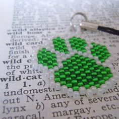 Simple Peyote Stitch Pattern for a Cat Paw Print