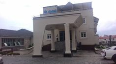 Ralmeton Hotel Abuja Ralmeton Hotel offers accommodation in Gwarinpa. Guests can enjoy the on-site restaurant. Free private parking is available on site. The rooms are equipped with a flat-screen TV with cable channels. Ralmeton Hotel features free WiFi .