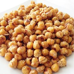 Parmesan & Rosemary Roasted Chickpeas. Tasty and easy, this is a great snack recipe to whip up and save for snacking for the next few days!