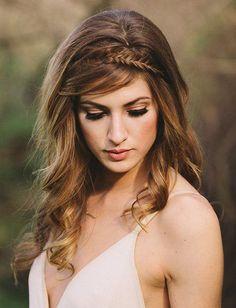 Buenas noches novias e invitadas perfectas. Como he confesado multitud de veces, yo soy mucho más de pelo suelto que de recogidos. Incluso para mi boda, opte por una melena suelta, ya que quería se…