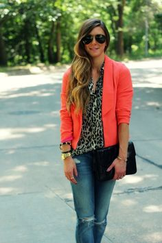 colored blazer, leopard blouse and bf jeans New Outfits, Spring Outfits, Cool Outfits, Casual Outfits, Spring Wear, Leopard Skirt Outfit, Leopard Blouse, Leopard Outfits, Colored Blazer