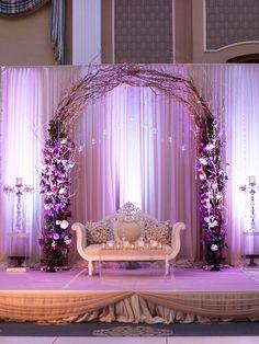 40abbf8945dfd0de31f69b3bd7ae7e34--a-romantic-willow-arch-wedding.jpg 736×981 pixels