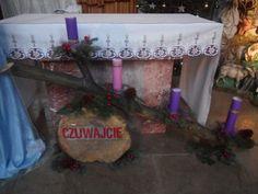 Contemporary Flower Arrangements, Altar Cloth, Altar Decorations, Flowers, Couture, Christmas Chandelier, Advent, Candles, Florals