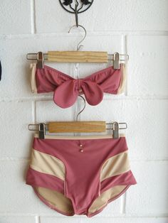 Virgin Daisies swimwear | I can't find an official web site or anywhere online selling these. The site http://www.tasteofnowhere.com/2011/05/07/virgin-daisies-swimsuits-are-here-มาเเล้วชุดว่ายนำ้ท/ indicates they sell them but only from their shop, which appears to be in Thailand.