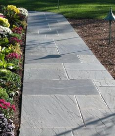 Natural Variegated Pennsylvania Bluestone pavers are very popular for patios, walkways, and pools. Stonewood Products - Bluestone distributor Cape Cod 12 Easy Stone Patio plans You Can Build To Complement Your Home Paver Walkway, Front Walkway, Front Yard Landscaping, Pavers Patio, Garden Pavers, Front Steps, Paver Sidewalk, Paver Stone Patio, Patio Edging