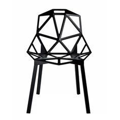 Chair one est une chaise dessinée par Konstantin Grcic pour Magis. Chair one utilise des matériaux industriels comme l'aluminium et la fonte d'aluminium. Retrouvez ce produit sur Voltex.fr.
