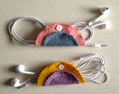 DIY: felt earbud holder