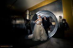 One King West Wedding  - The Vault - wedding toronto photographer Raph Nogal
