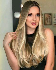 18 Ideas hair color balayage brunette ombre make up for 2019 Hair Color Highlights, Hair Color Balayage, Long Hair Cuts, Long Hair Styles, Straight Hair, Brown Blonde Hair, Balayage Brunette, Beautiful Long Hair, Hair Beauty