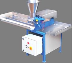 Easy to operate with safety,Low Maintenance.Noise Less,Continuous production.Incense Finishing smooth,Easy availability of Spare Parts,No Skilled worker required to operate machine.Optional for Single Phase Connection at extra cost.