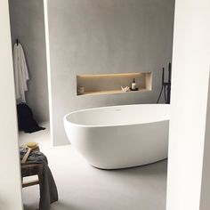 Bathroom Badkamer beton cire - Lilly is Love Open Bathroom, Modern Master Bathroom, Bathroom Goals, Concrete Bathroom, Bad Inspiration, Bathroom Inspiration, Bathroom Inspo, Bathroom Ideas, Bathroom Furniture