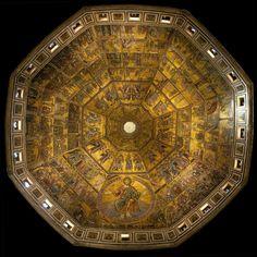 I mosaici del Battistero di Firenze ricoprono la cupola interna e la volta dell'abside -  rappresentano uno dei più importanti cicli musivi del medioevo - furono progettati e disegnati da artisti fiorentini, fra cui Cimabue e Coppo di Marcovaldo - furono realizzati da mosaicisti veneziani tra il 1270 e il 1340.